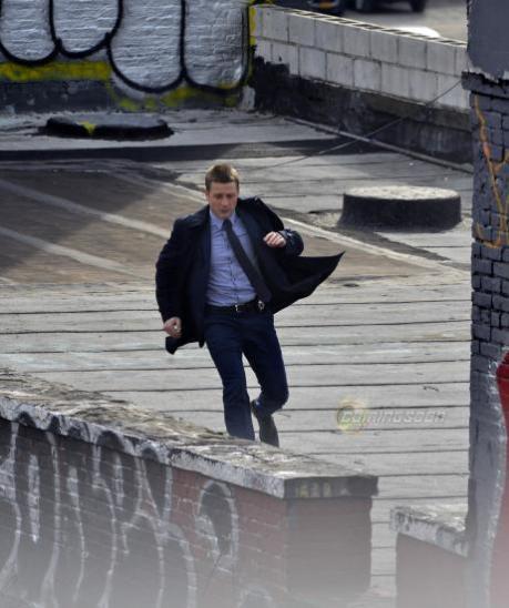 Ben Mckenzie on the set of Gotham